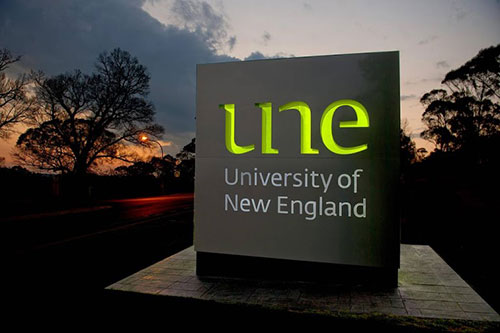 UNE signage at Campus entrance