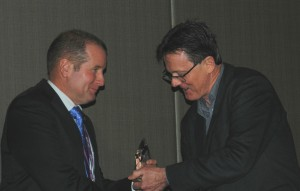 Prof David Lamb receives CRCSI award from Prof Graeme Wright